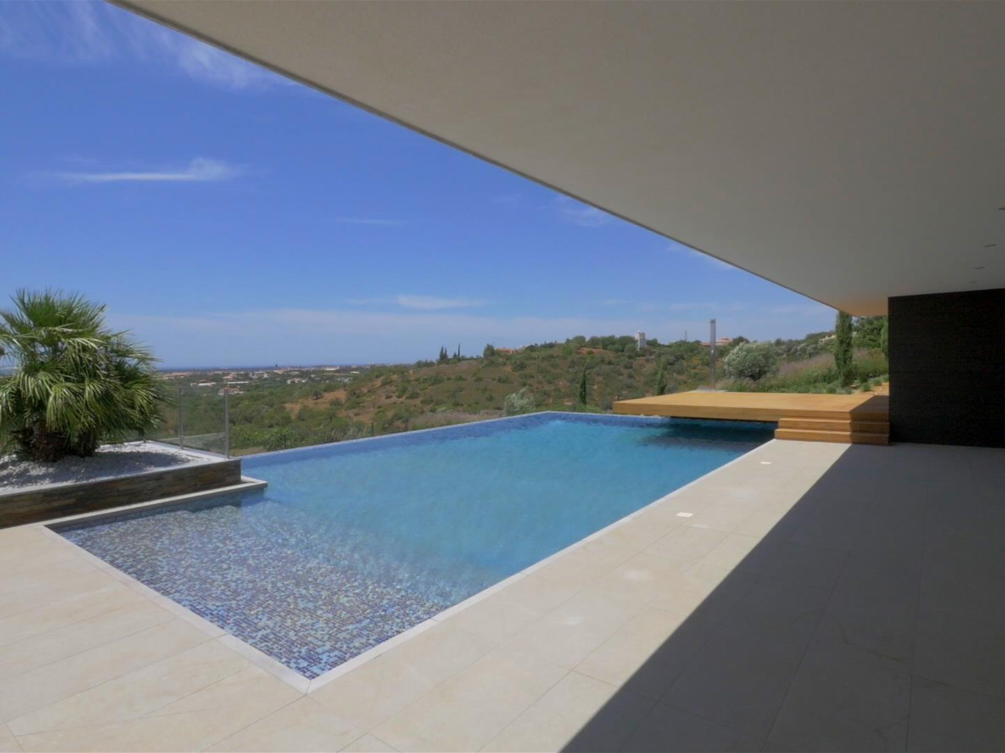 Tek Ailelik Ev için Satış at Detached house, 4 bedrooms, for Sale Loule, Algarve Portekiz