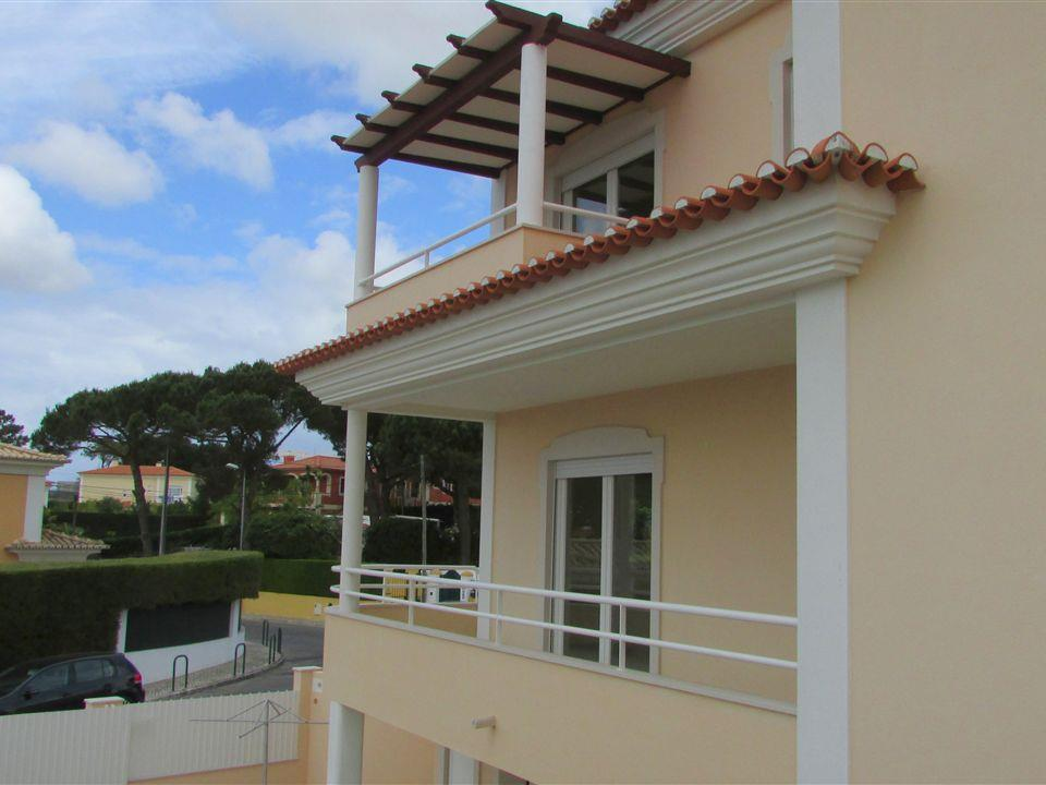 Casa Unifamiliar por un Venta en House, 6 bedrooms, for Sale Cascais, Lisboa Portugal