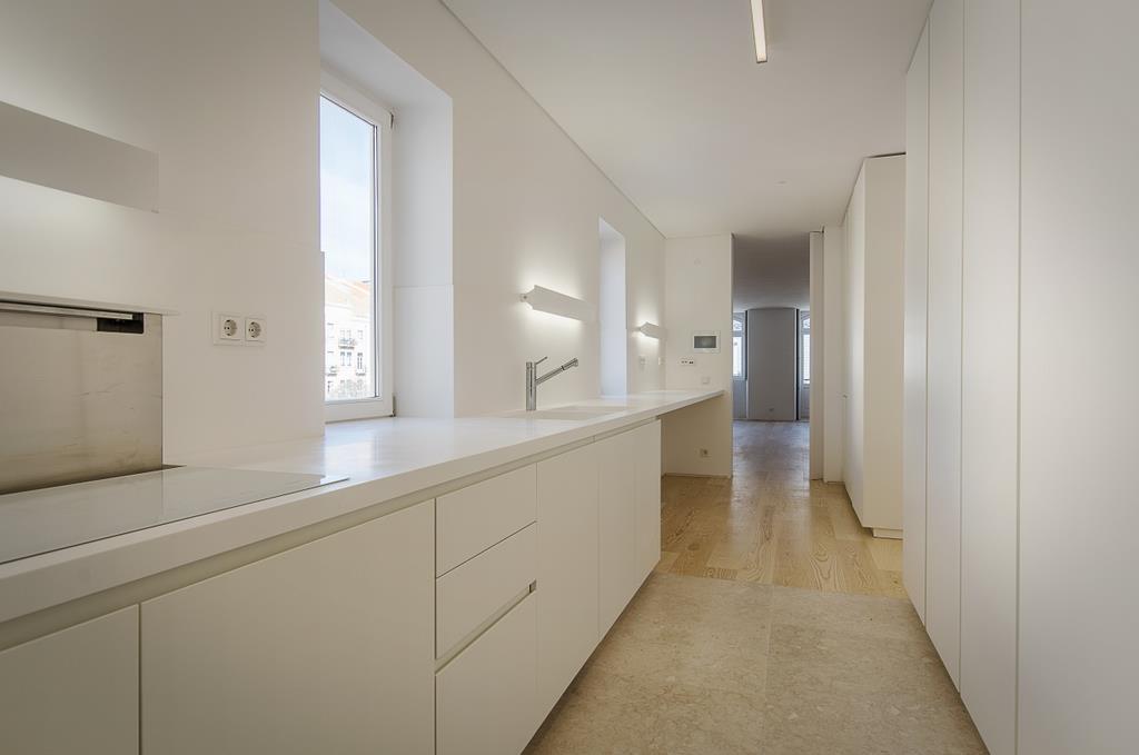 Apartment for Sale at Flat, 4 bedrooms, for Sale Lisboa, Lisboa 1050-228 Portugal