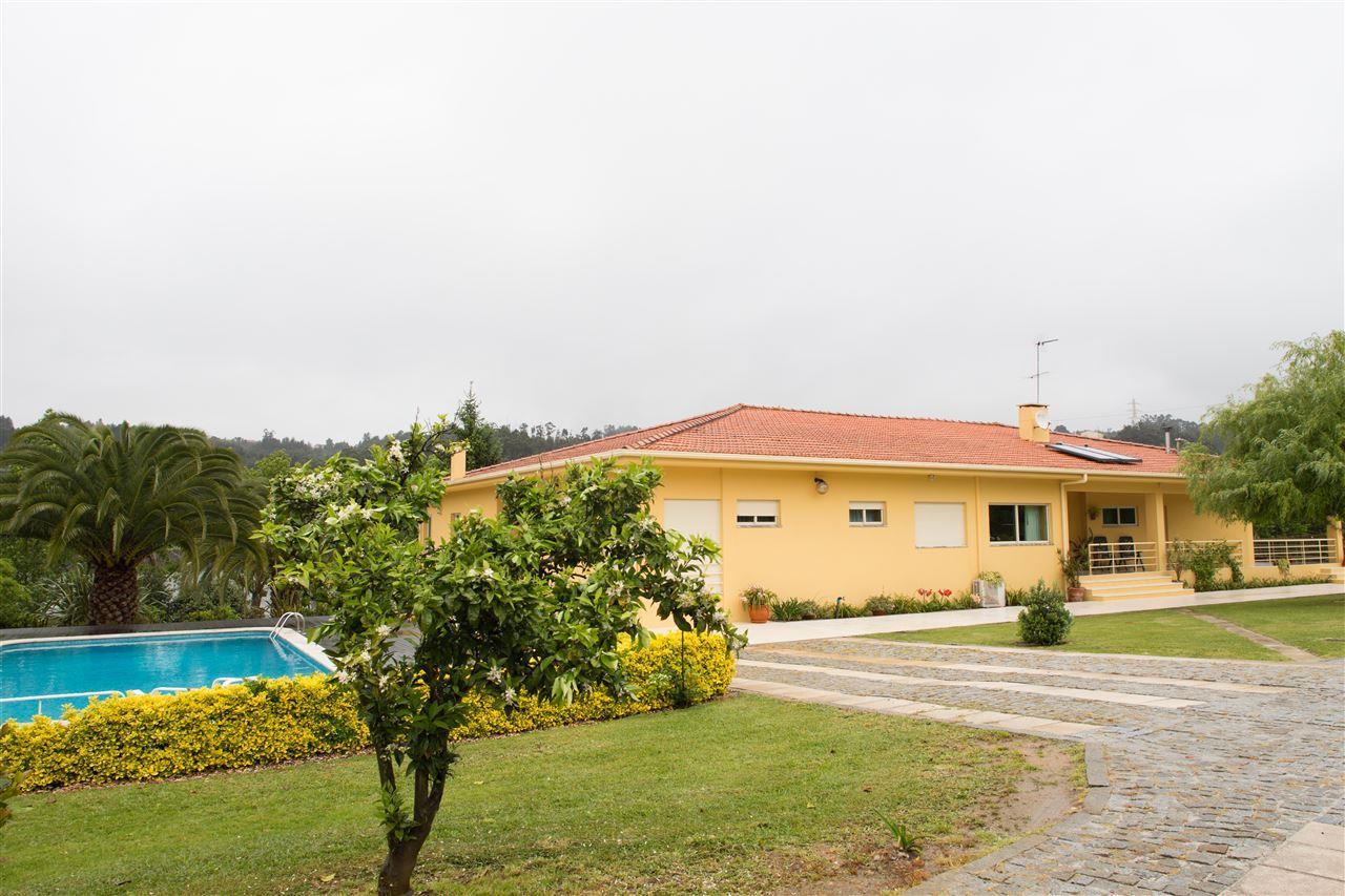 Nông trại / Trang trại / Vườn vì Bán tại Farm, 3 bedrooms, for Sale Vila Nova De Gaia, Porto, 4430-767 Bồ Đào Nha