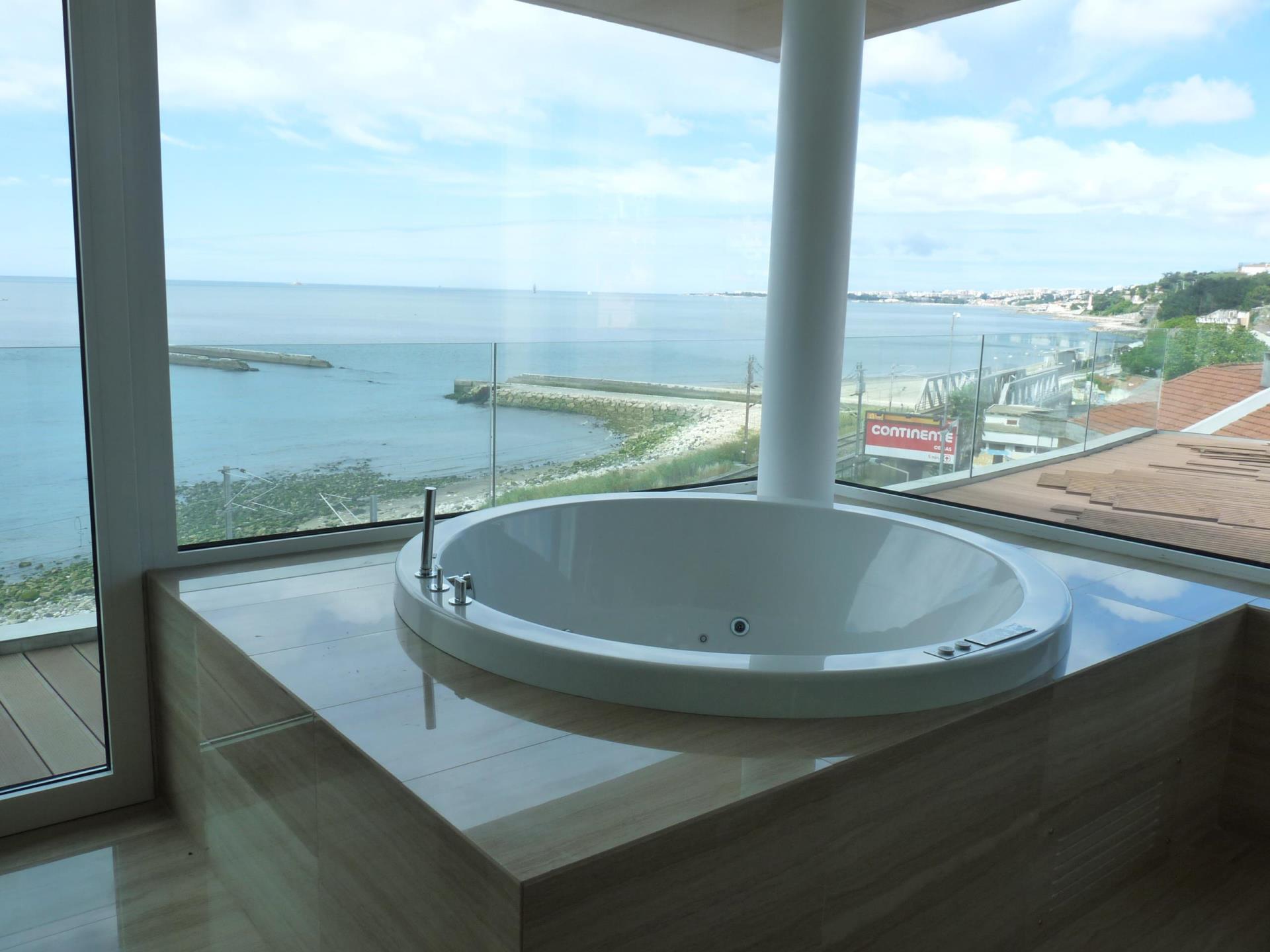 Duplex 为 销售 在 Duplex, 3 bedrooms, for Sale Oeiras, 葡京 葡萄牙