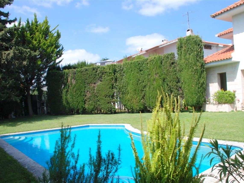 Casa para uma família para Venda às House, 6 bedrooms, for Sale Oeiras, Lisboa Portugal