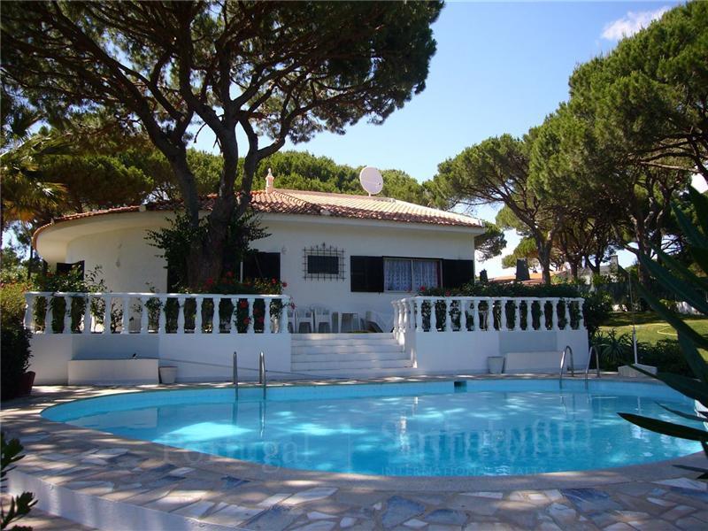 Vivienda unifamiliar por un Venta en House, 3 bedrooms, for Sale Loule, Algarve Portugal