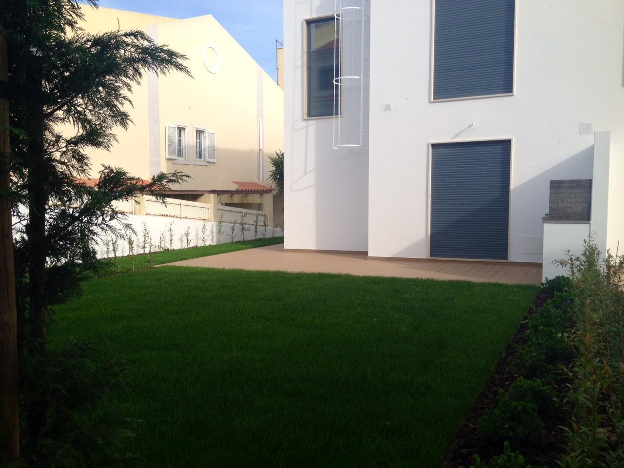 Einfamilienhaus für Verkauf beim House, 3 bedrooms, for Sale Cascais, Lissabon Portugal