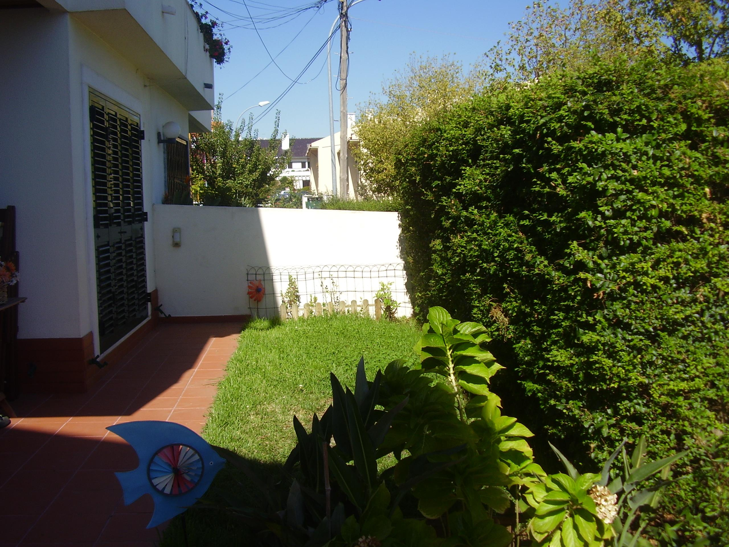Single Family Home for Sale at Semi-detached house, 6 bedrooms, for Sale Oeiras, Lisboa, Portugal