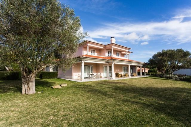 Villa per Vendita alle ore House, 3 bedrooms, for Sale Cascais, Lisbona, Portogallo