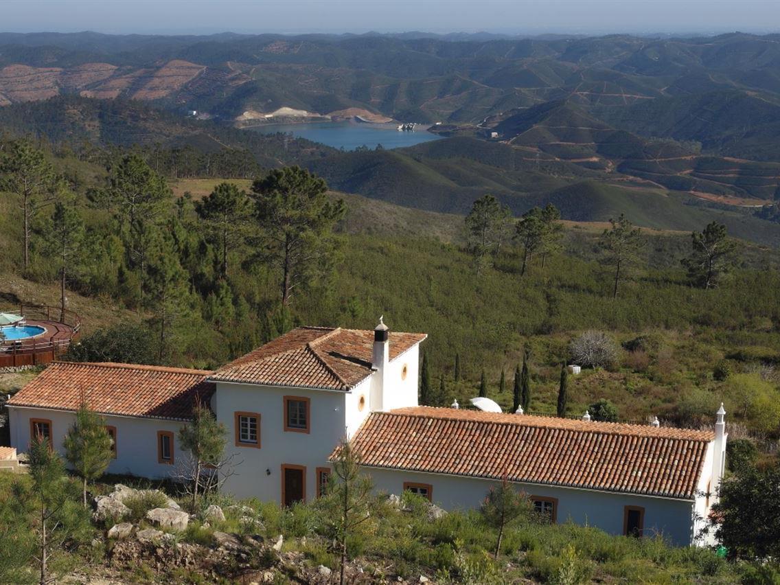 Vivienda unifamiliar por un Venta en Detached house, 3 bedrooms, for Sale Monchique, Algarve Portugal