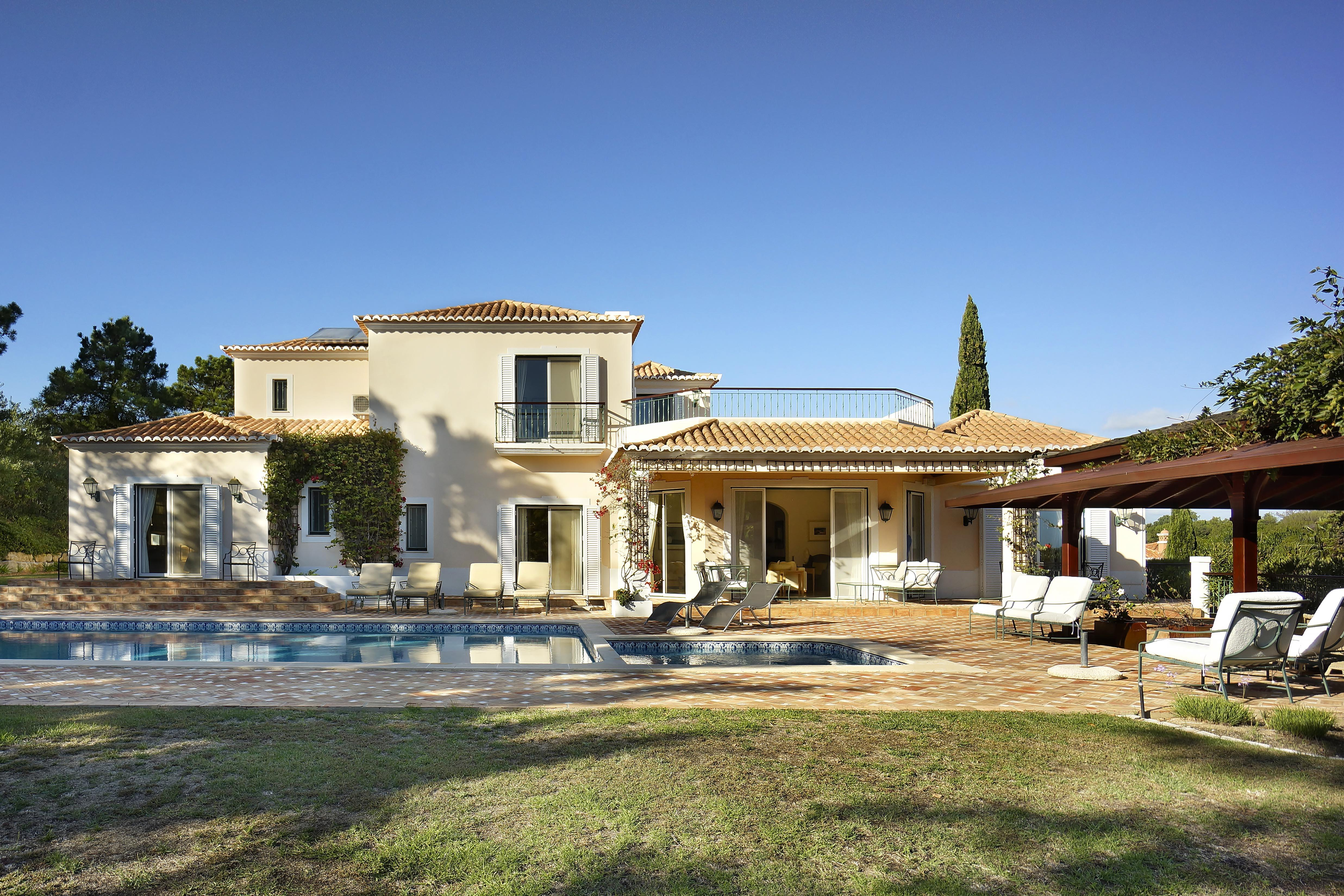 Casa Unifamiliar por un Venta en Detached house, 4 bedrooms, for Sale Loule, Algarve - Portugal