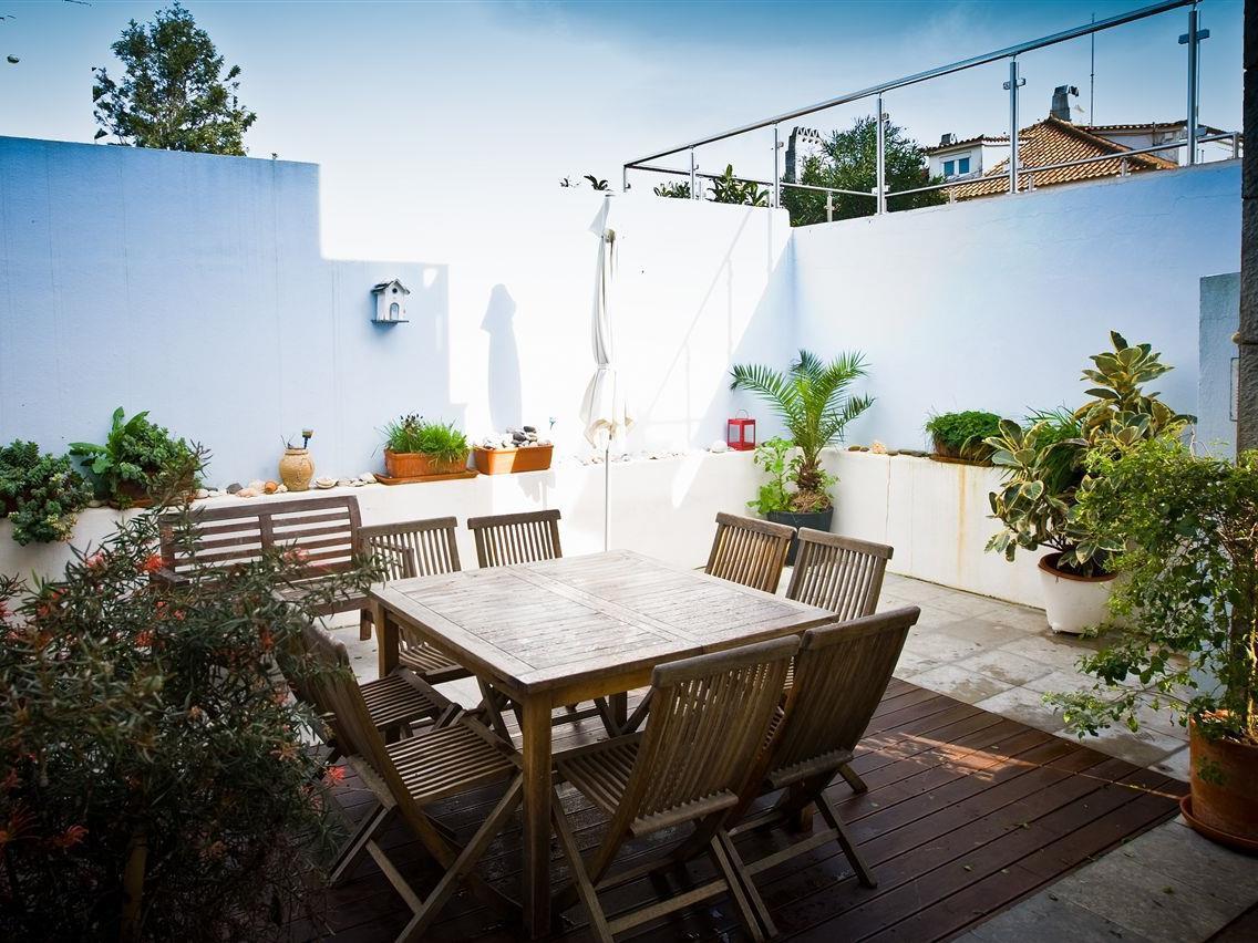 Частный односемейный дом для того Продажа на House, 4 bedrooms, for Sale Estoril, Cascais, Лиссабон Португалия