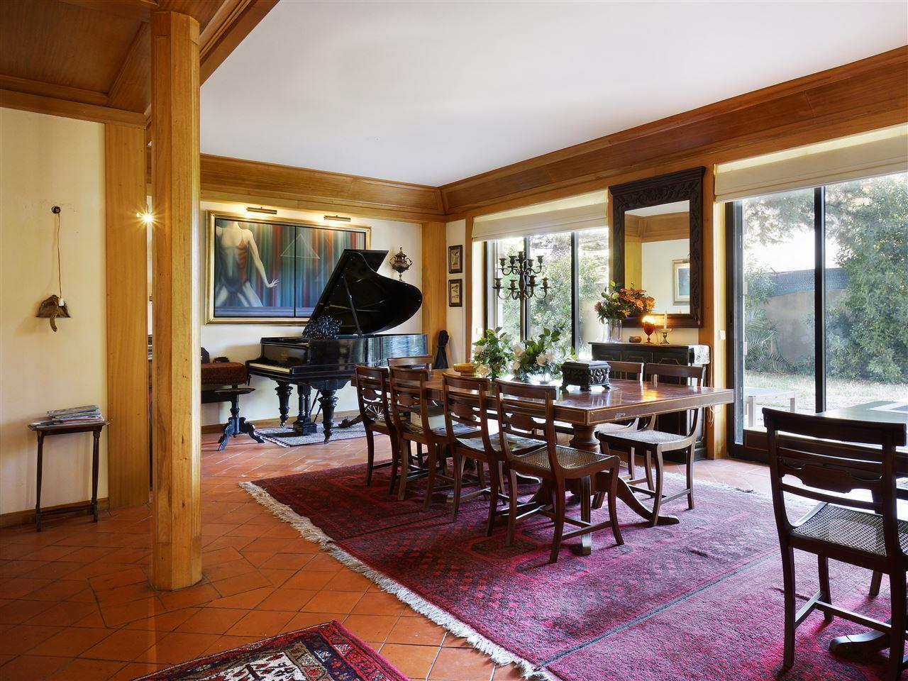 Casa Unifamiliar por un Venta en House, 5 bedrooms, for Sale Cascais, Lisboa Portugal