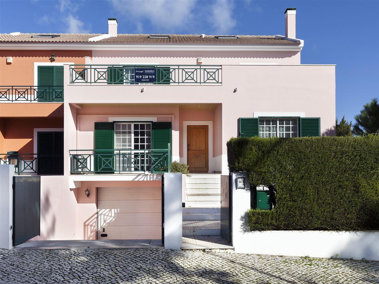 Tek Ailelik Ev için Satış at House, 5 bedrooms, for Sale Beloura, Sintra, Lisboa Portekiz
