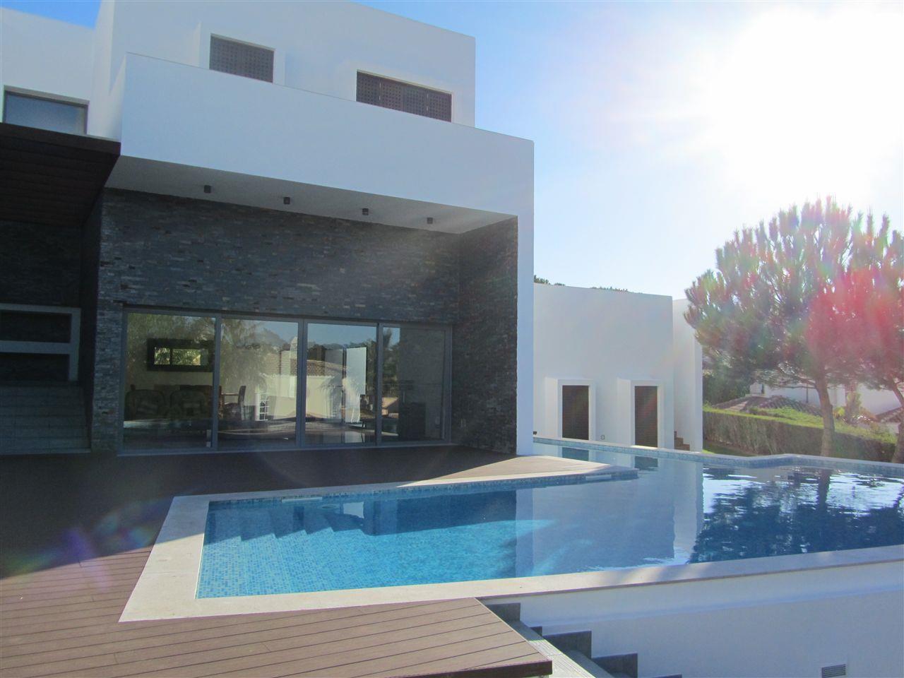 Casa para uma família para Venda às House, 6 bedrooms, for Sale Loule, Algarve Portugal