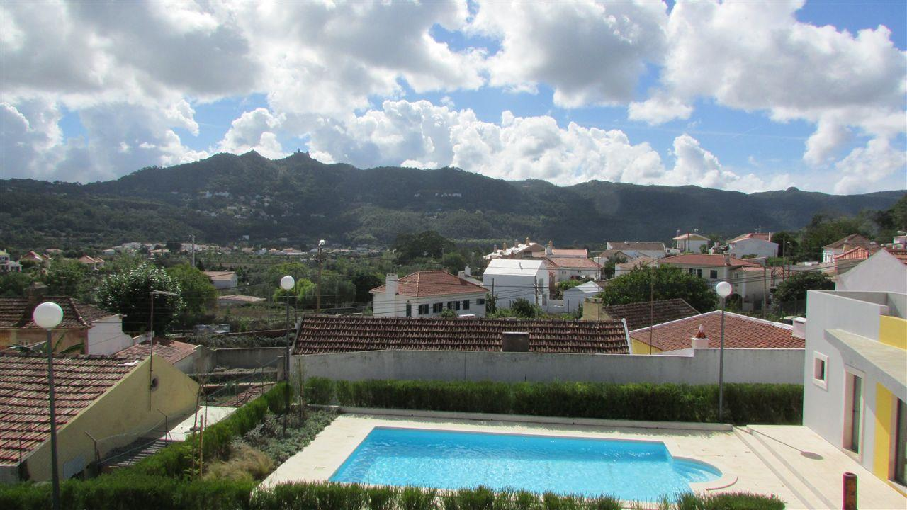 Casa para uma família para Venda às House, 4 bedrooms, for Sale Sintra, Lisboa, 2710-637 Portugal
