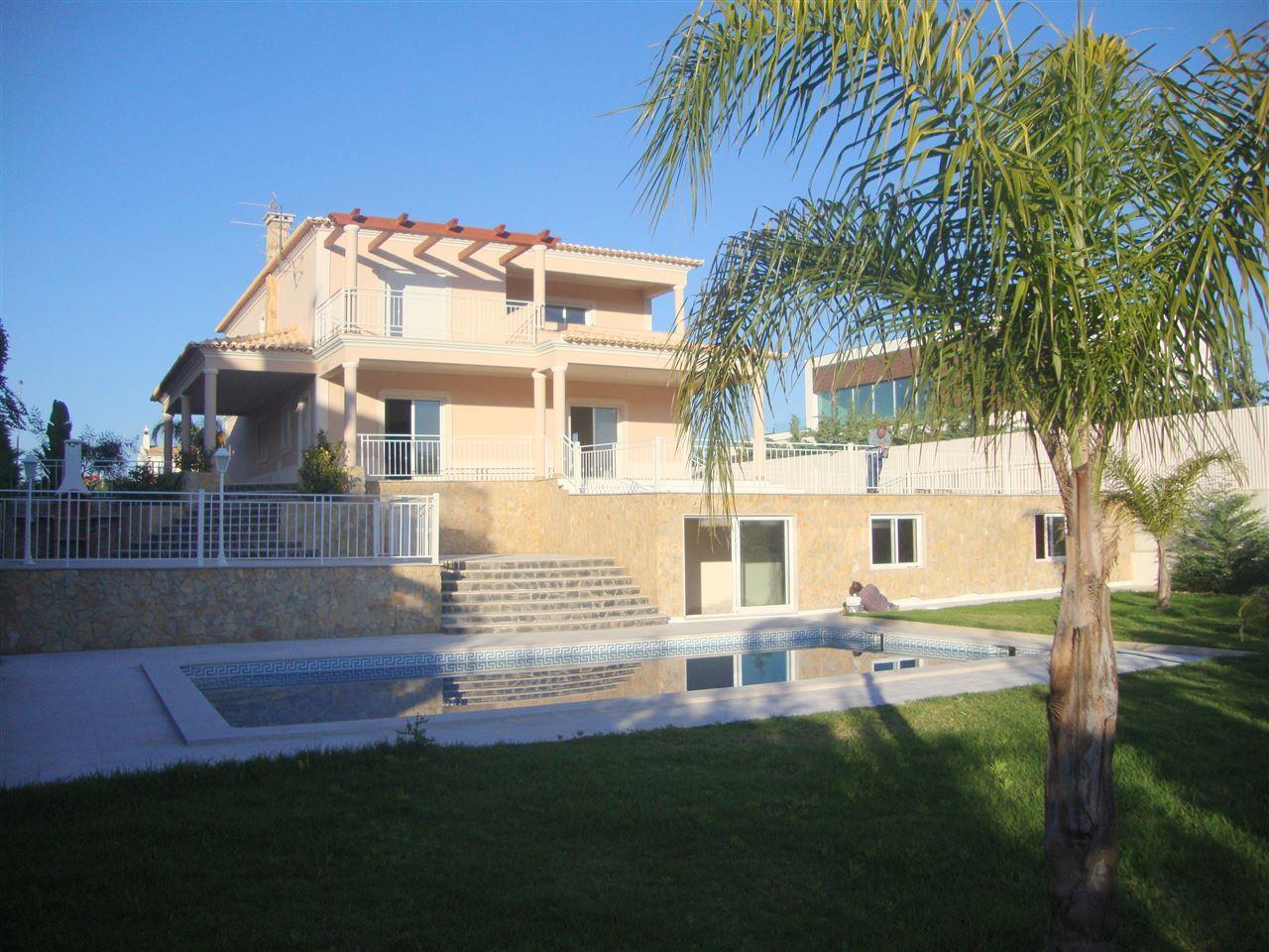 Maison unifamiliale pour l Vente à Detached house, 3 bedrooms, for Sale Silves, Algarve Portugal