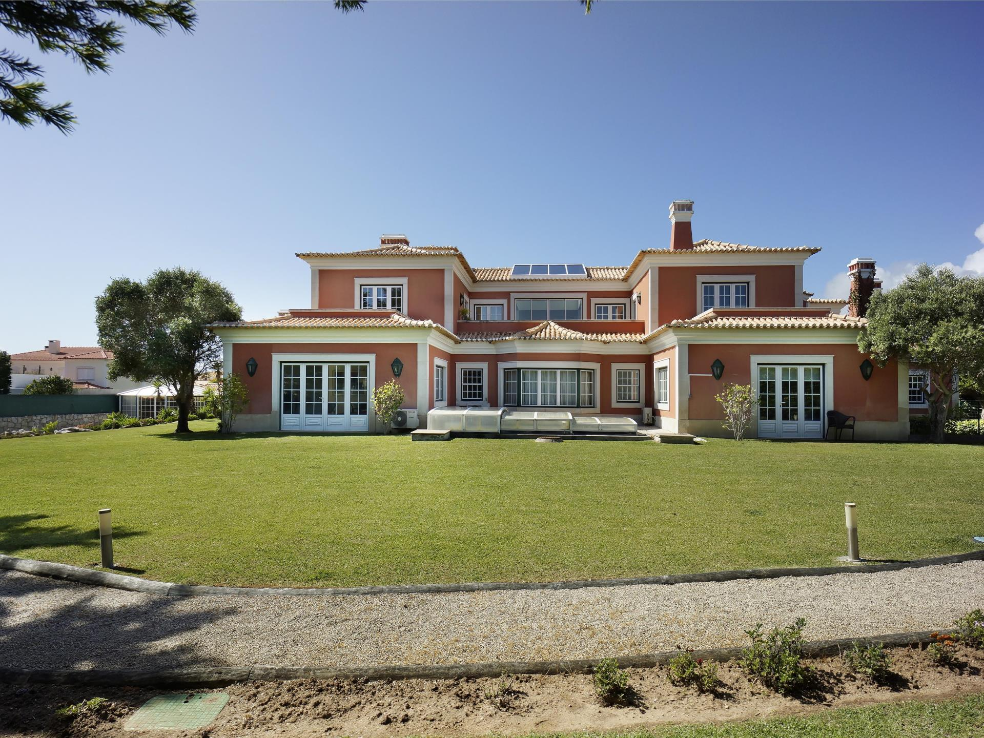 Tek Ailelik Ev için Satış at House, 10 bedrooms, for Sale Quinta Da Marinha, Cascais, Lisboa Portekiz