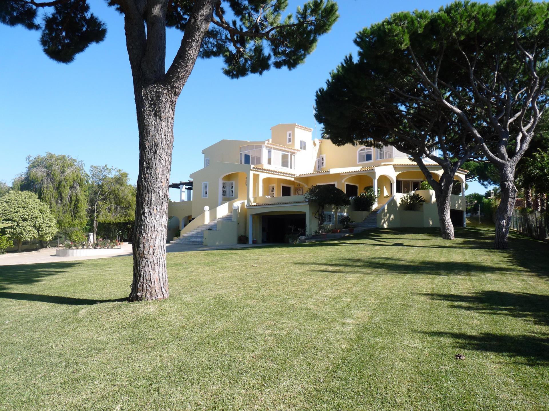 Moradia para Venda às House, 5 bedrooms, for Sale Loule, Algarve Portugal