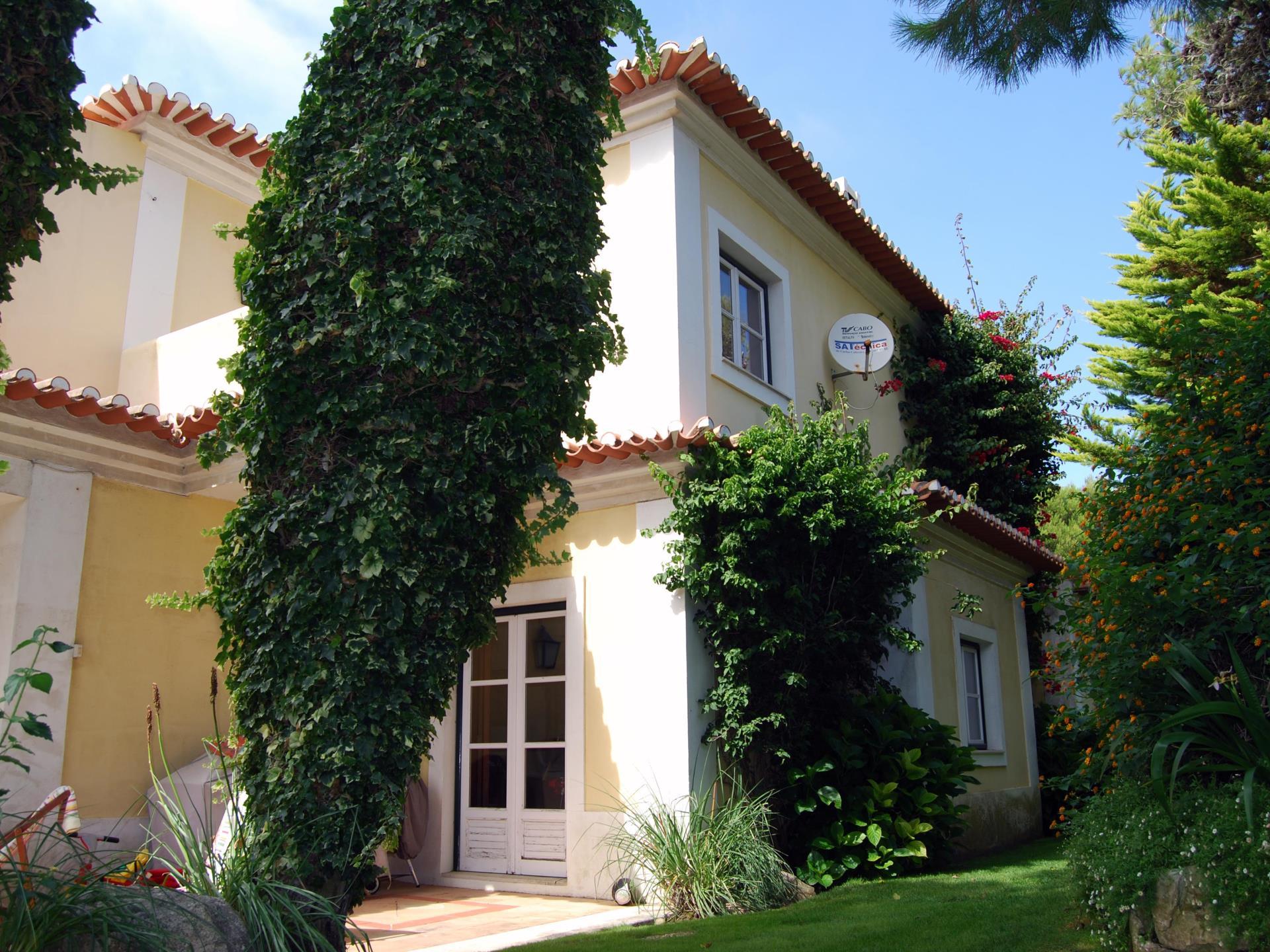 Villa per Vendita alle ore Detached house, 4 bedrooms, for Sale Areia, Cascais, Lisbona Portogallo