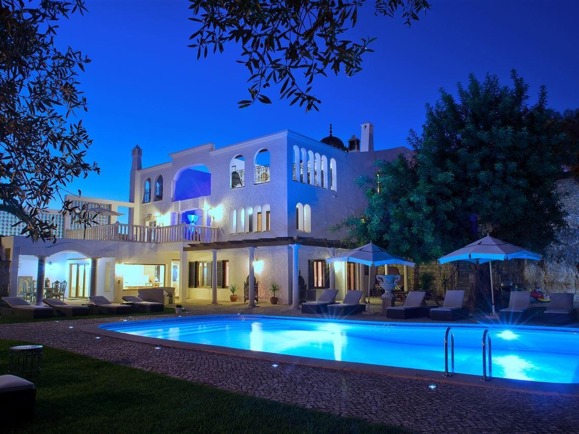 Single Family Home for Sale at Detached house, 7 bedrooms, for Sale Other Portugal, Other Areas In Portugal Portugal