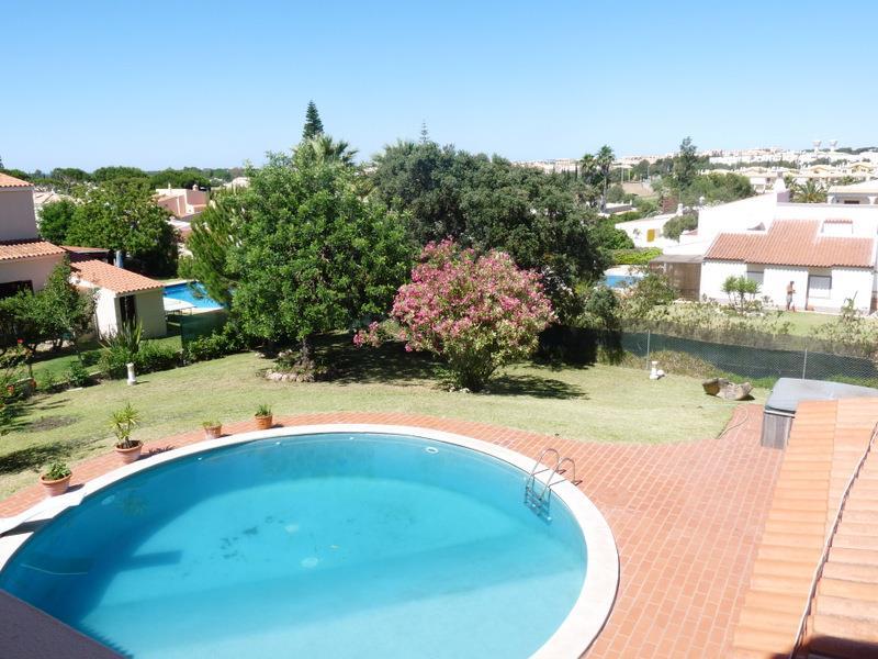 Maison unifamiliale pour l Vente à Detached house, 6 bedrooms, for Sale Loule, Algarve, Portugal