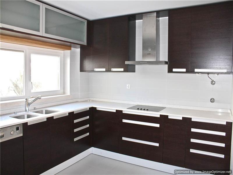 Maison unifamiliale pour l Vente à Terraced house, 3 bedrooms, for Sale Oeiras, Lisbonne, 2730-262 Portugal