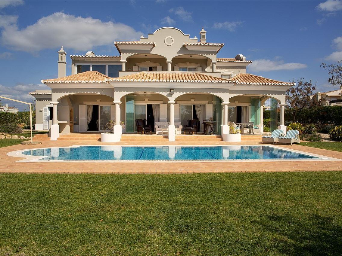 Single Family Home for Sale at Detached house, 4 bedrooms, for Sale Other Portugal, Other Areas In Portugal Portugal