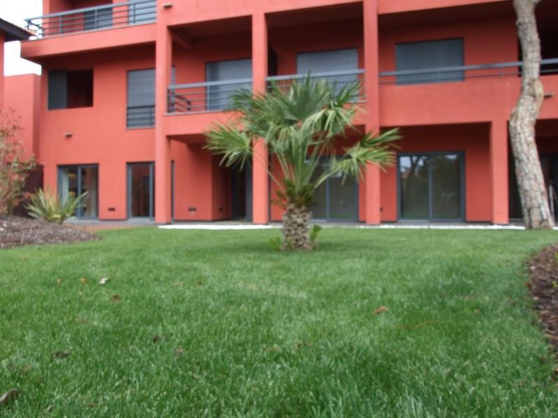 Apartment for Sale at Flat, 3 bedrooms, for Sale Other Portugal, Other Areas In Portugal, 2765-000 Portugal