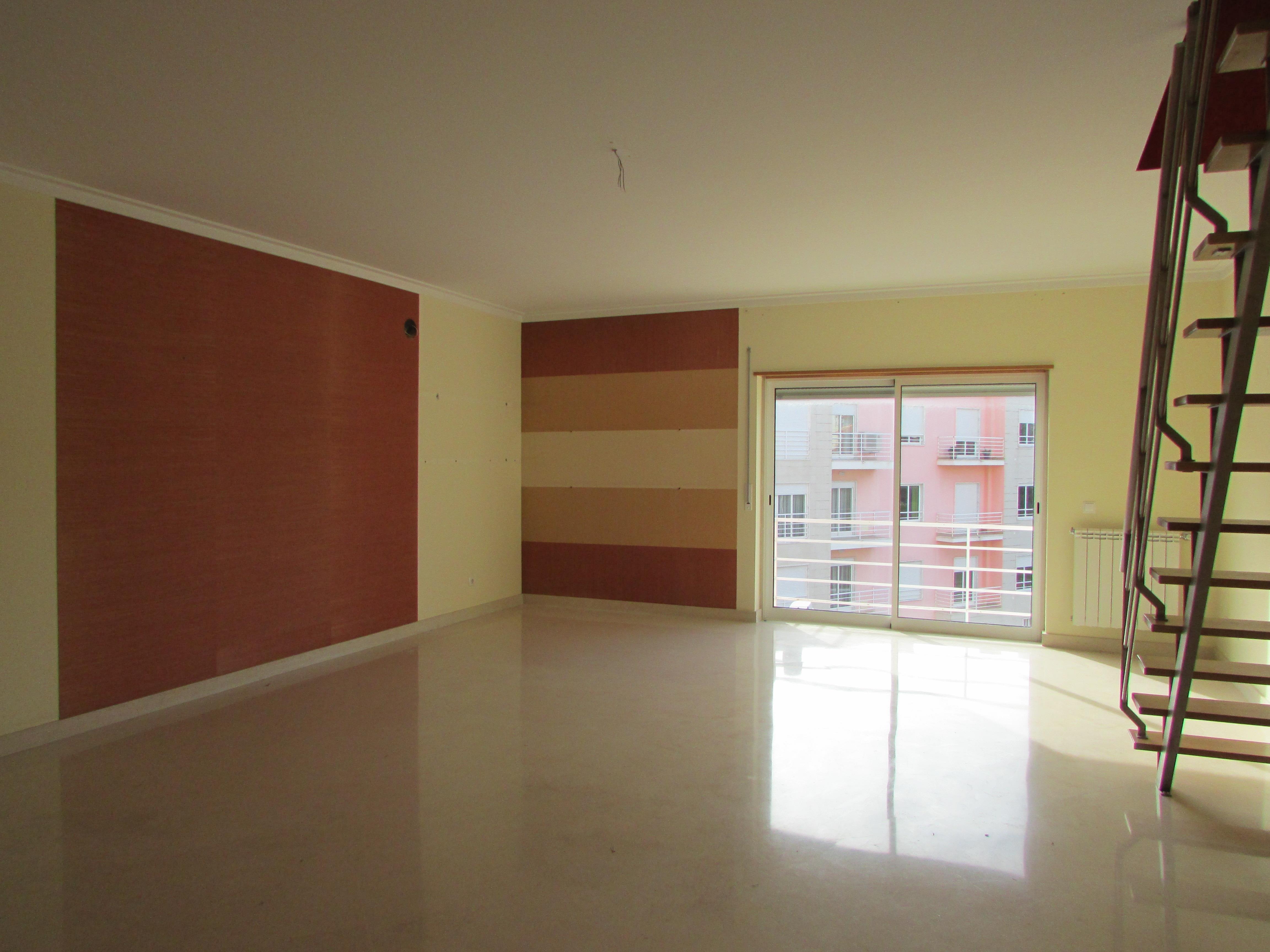 Apartamento por un Venta en Flat, 3 bedrooms, for Sale Cascais, Lisboa 2785-820 Portugal