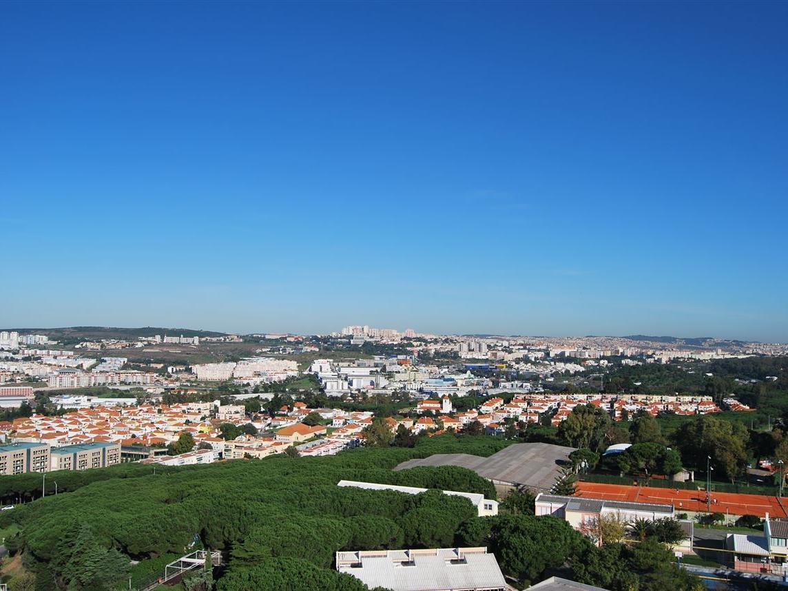 Apartamento por un Venta en Flat, 4 bedrooms, for Sale Restelo, Lisboa, Lisboa Portugal