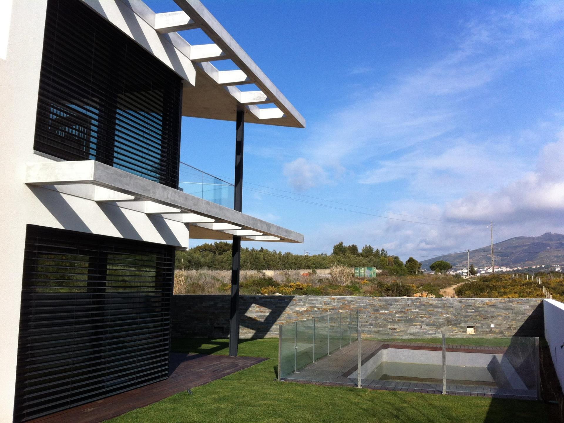 Maison unifamiliale pour l Vente à Terraced house, 4 bedrooms, for Sale Murches, Cascais, Lisbonne Portugal