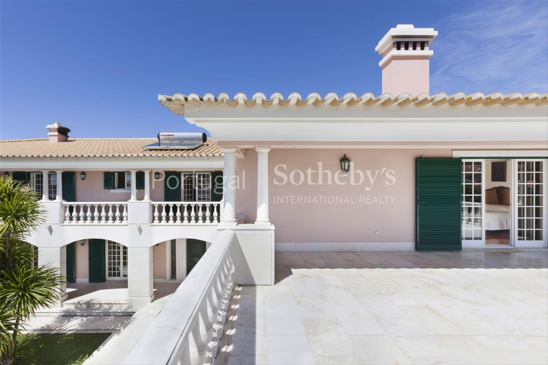 Property Of Detached house, 5 bedrooms, for Rent