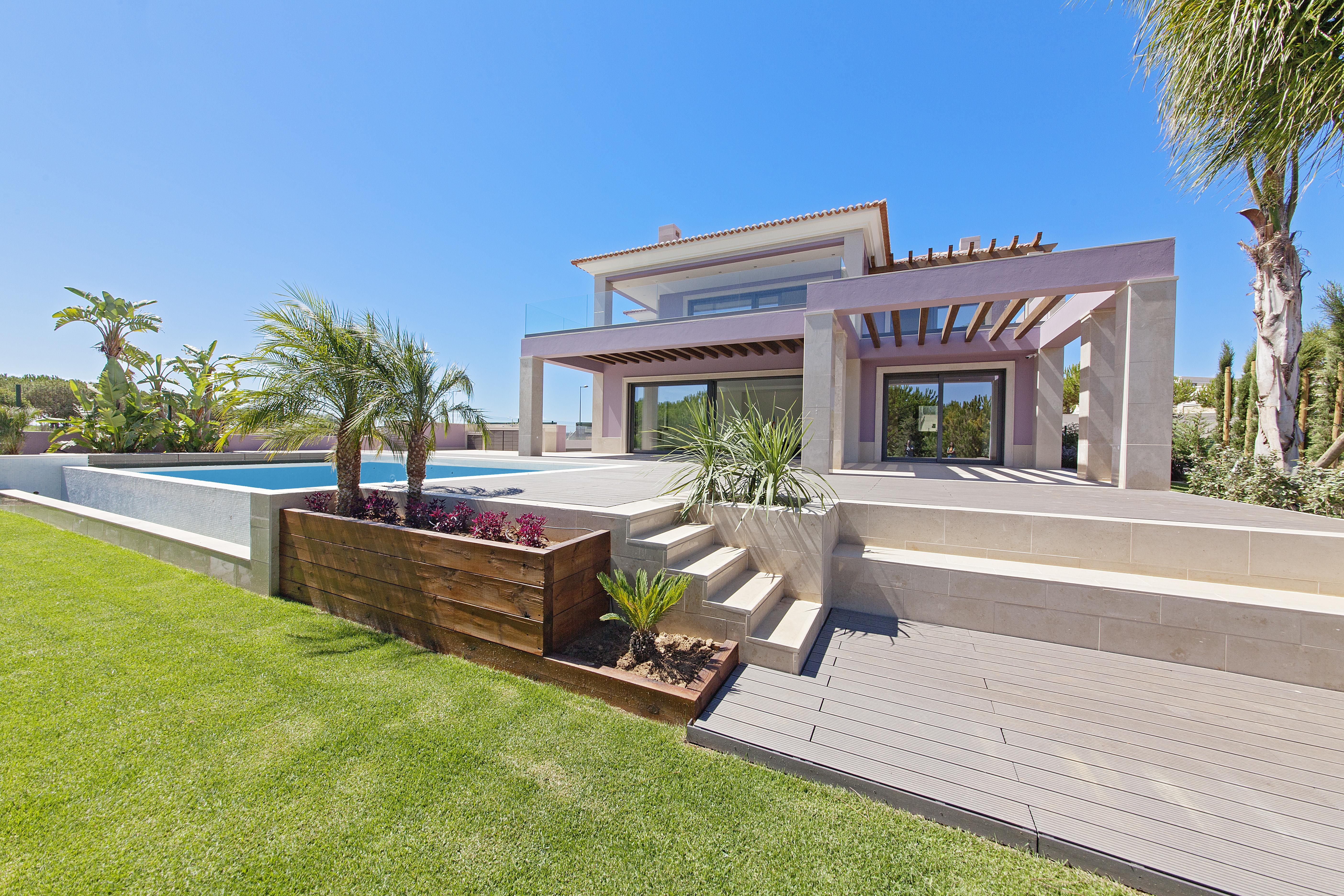 Villa per Vendita alle ore Detached house, 5 bedrooms, for Sale Loule, Algarve 8125-309 Portogallo