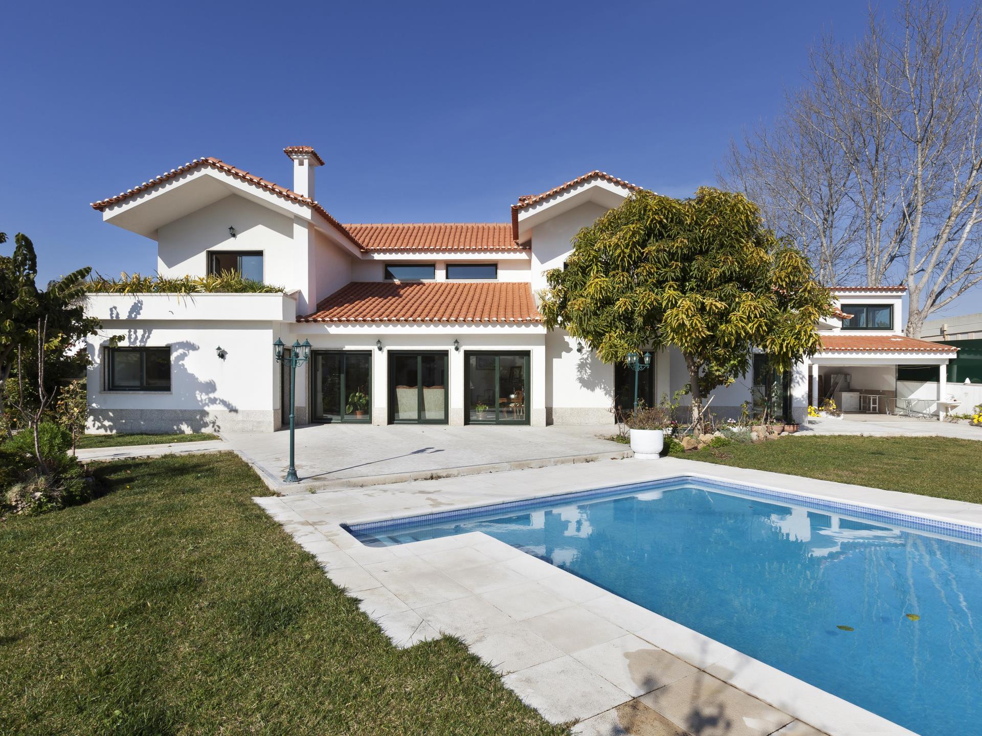 Nhà ở một gia đình vì Bán tại House, 4 bedrooms, for Sale Cascais, Lisboa Bồ Đào Nha