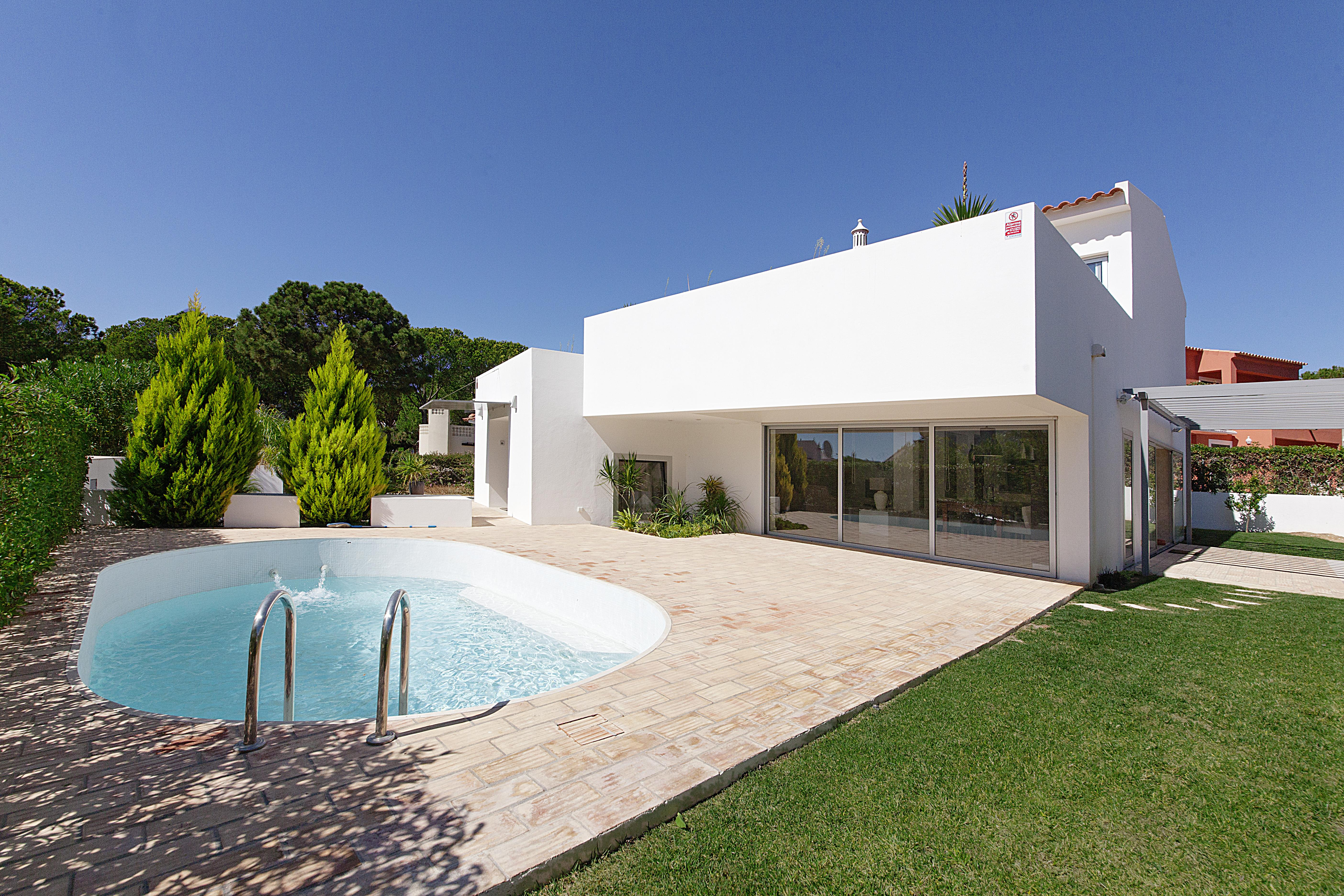 Single Family Home for Sale at Detached house, 4 bedrooms, for Sale Loule, Algarve 8125- Portugal