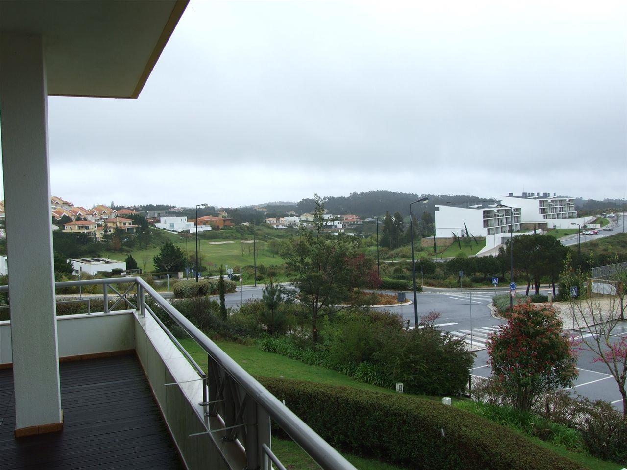 Appartement pour l Vente à Flat, 4 bedrooms, for Sale Sintra, Lisbonne 2605-199 Portugal