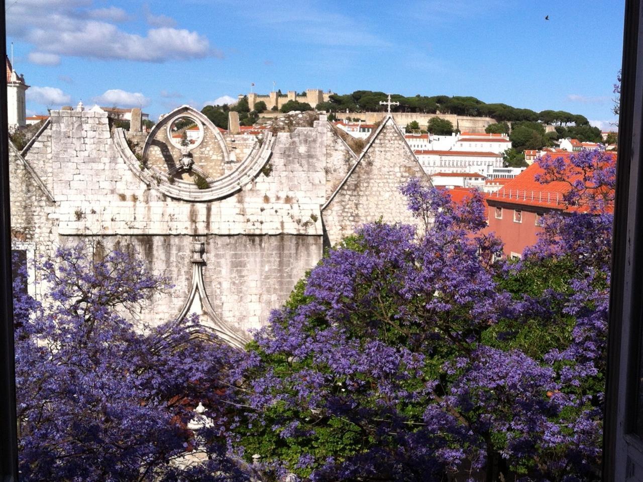Квартира для того Продажа на Flat for Sale Chiado, Lisboa, Лиссабон Португалия