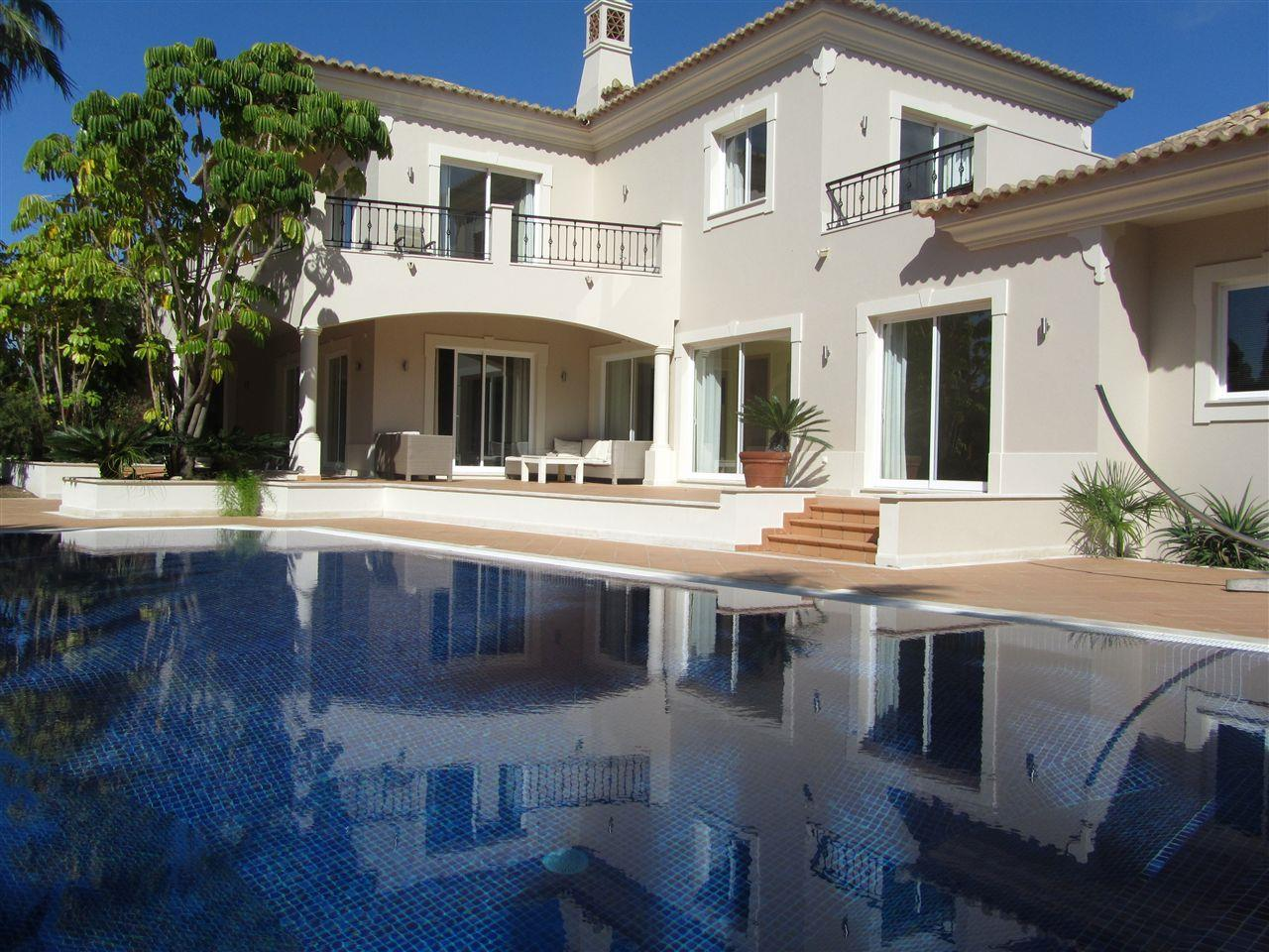 Single Family Home for Sale at House, 4 bedrooms, for Sale Loule, Algarve 8135- Portugal