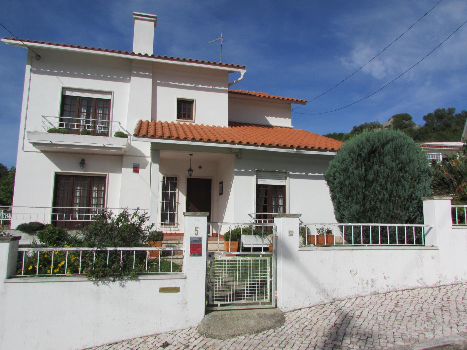 Moradia para Venda às Detached house, 5 bedrooms, for Sale Sintra, Lisboa Portugal