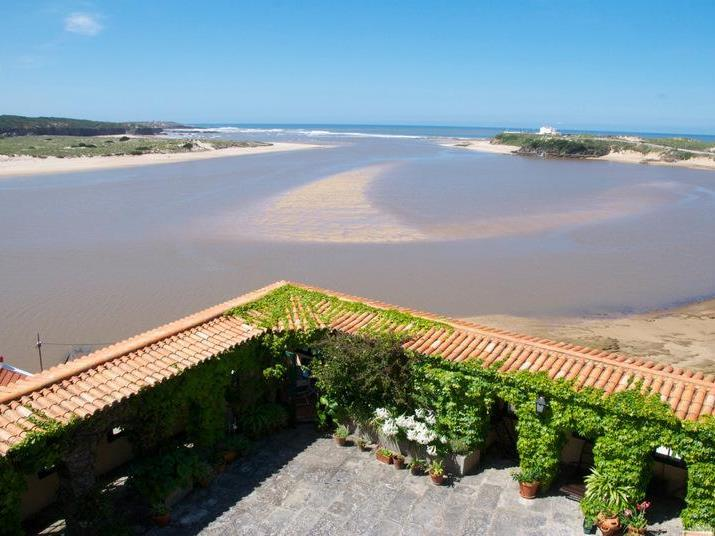 Single Family Home for Sale at House, 9 bedrooms, for Sale Other Portugal, Other Areas In Portugal Portugal