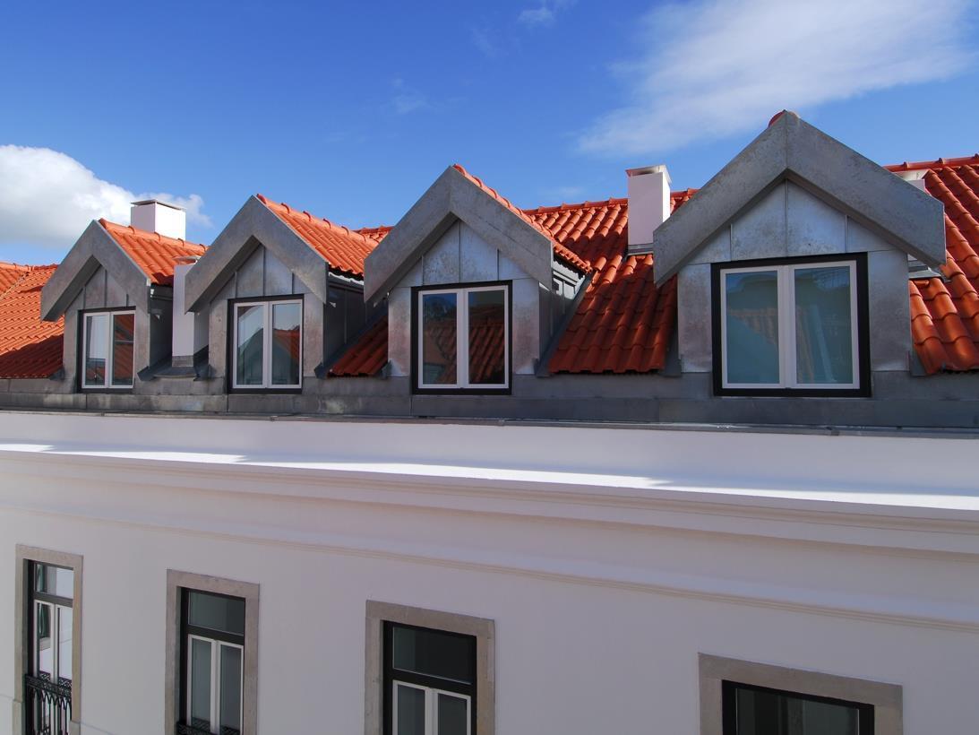 Apartamento por un Venta en Triplex, 3 bedrooms, for Sale Lisboa, Lisboa Portugal