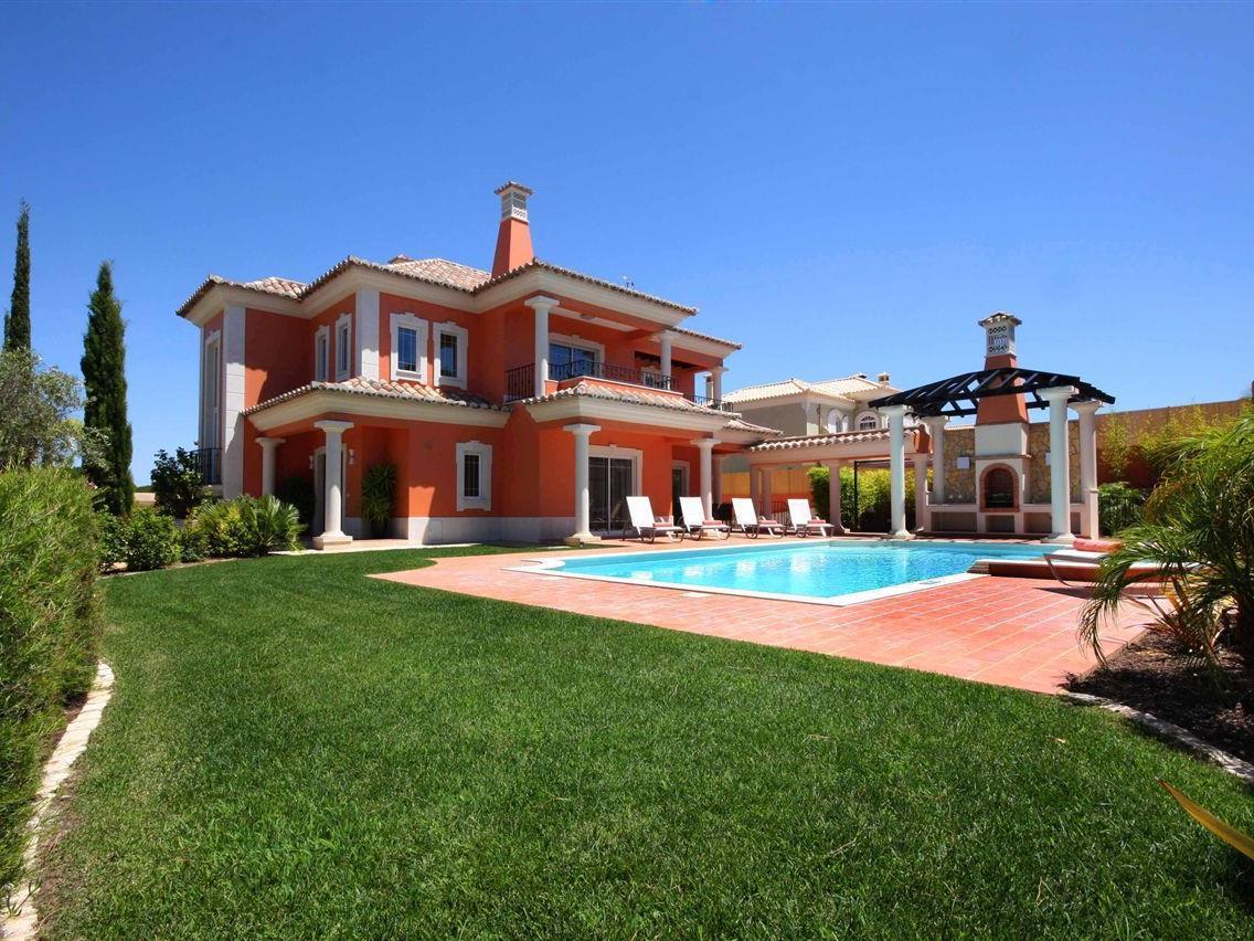 Villa per Vendita alle ore House, 5 bedrooms, for Sale Loule, Algarve Portogallo