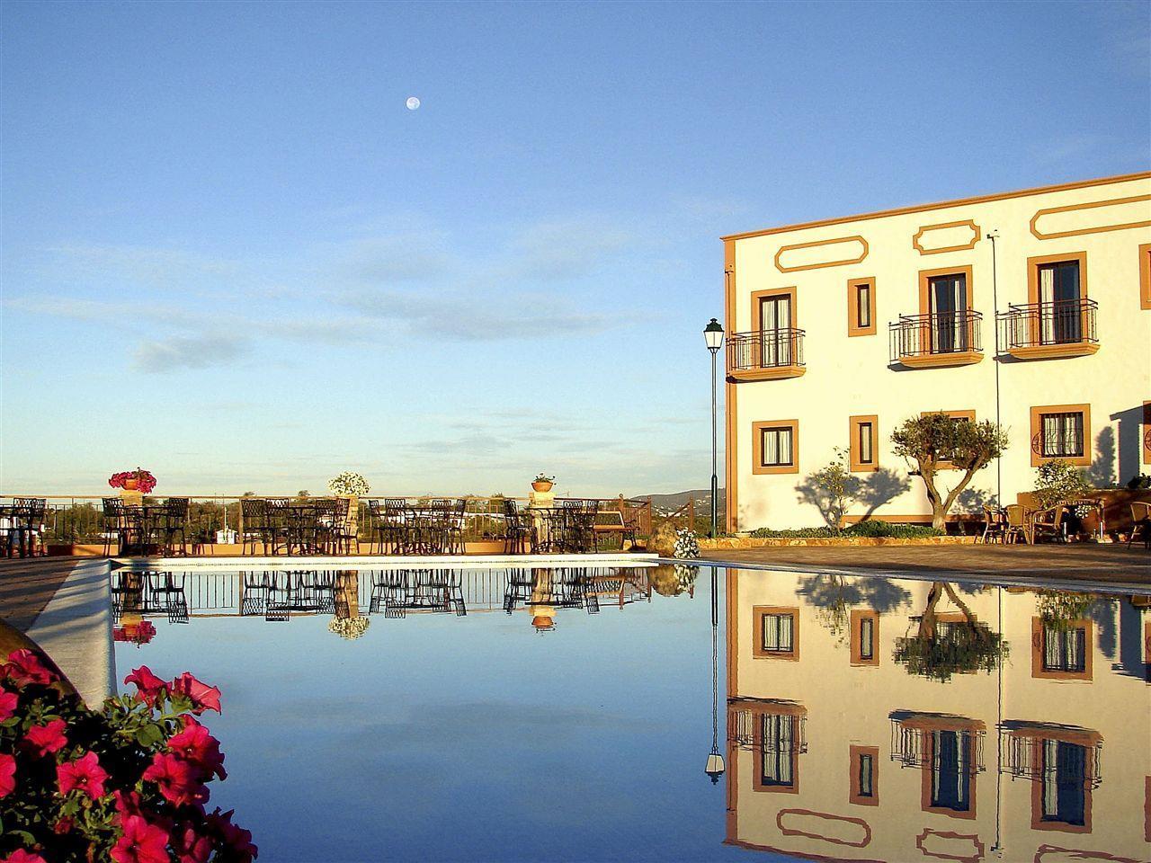 Einfamilienhaus für Verkauf beim Detached house, 22 bedrooms, for Sale Olhao, Algarve Portugal