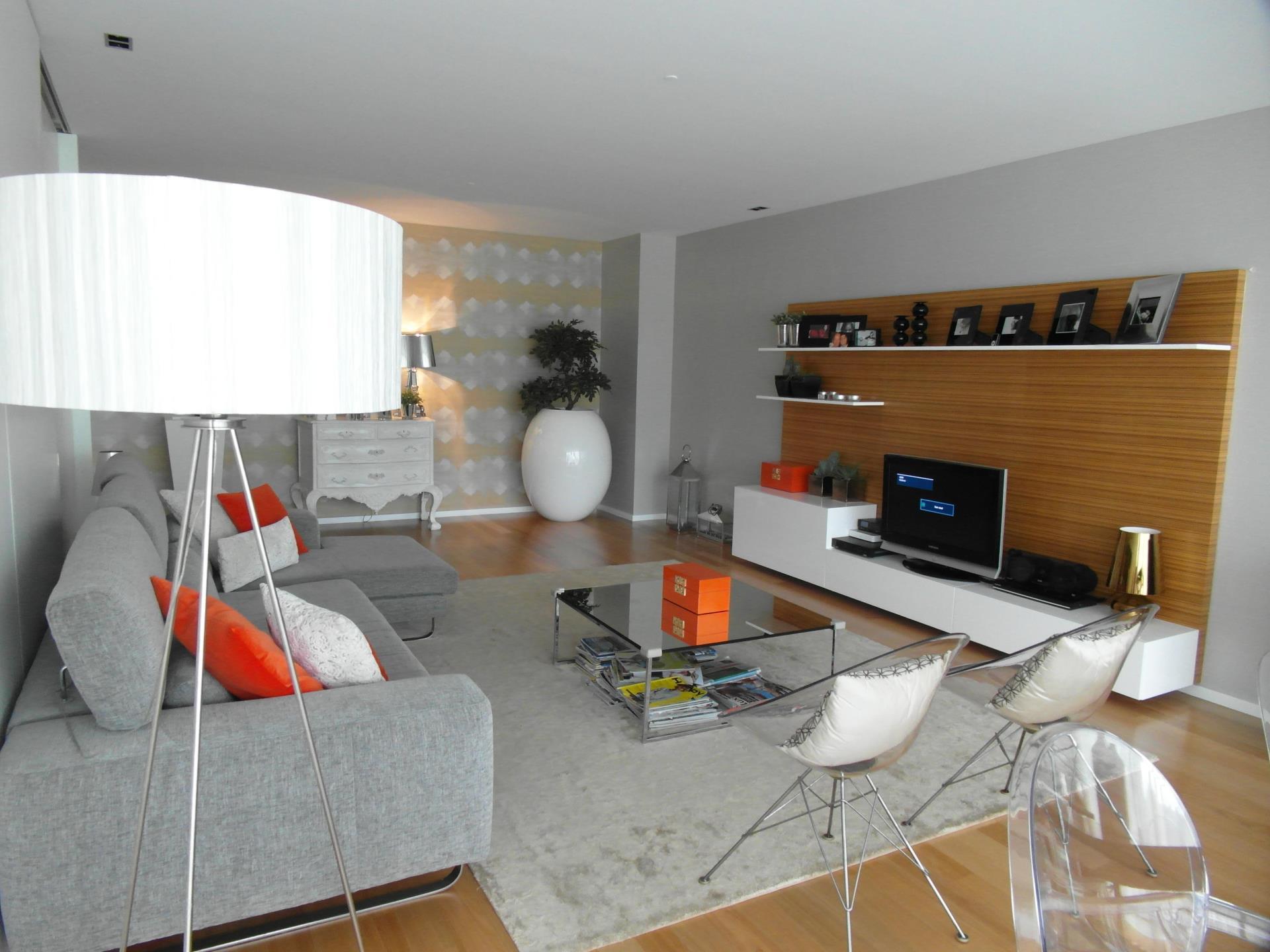 公寓 为 销售 在 Flat, 4 bedrooms, for Sale Belas, Sintra, 葡京 葡萄牙