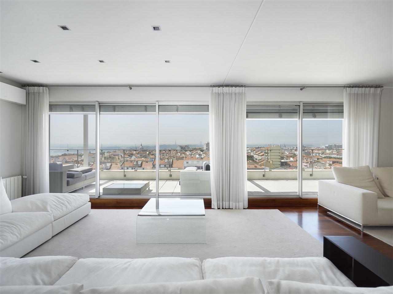 アパート のために 売買 アット Flat, 4 bedrooms, for Sale Lisboa, リスボン, ポルトガル