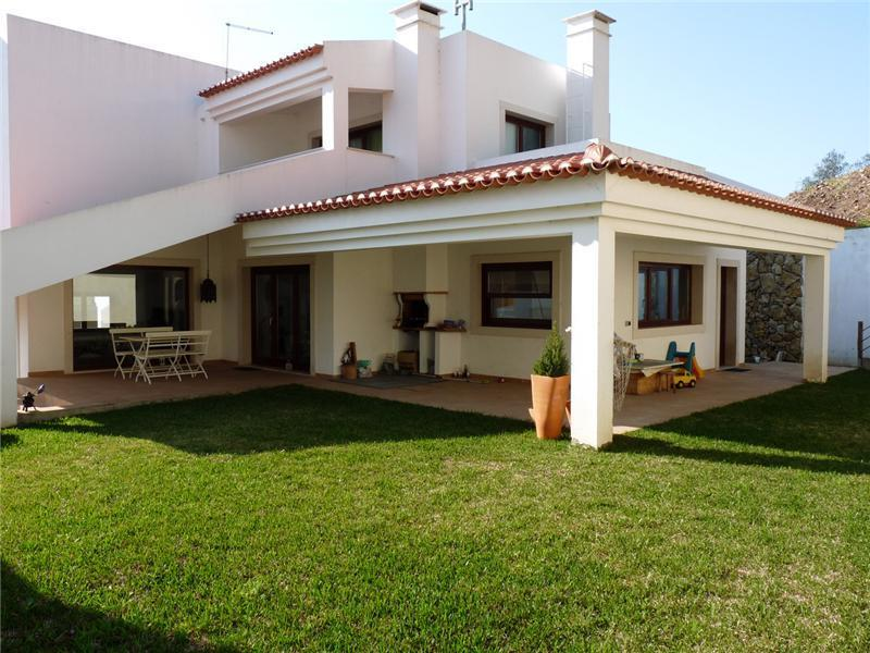 Moradia para Venda às House, 4 bedrooms, for Sale Caxias, Oeiras, Lisboa Portugal