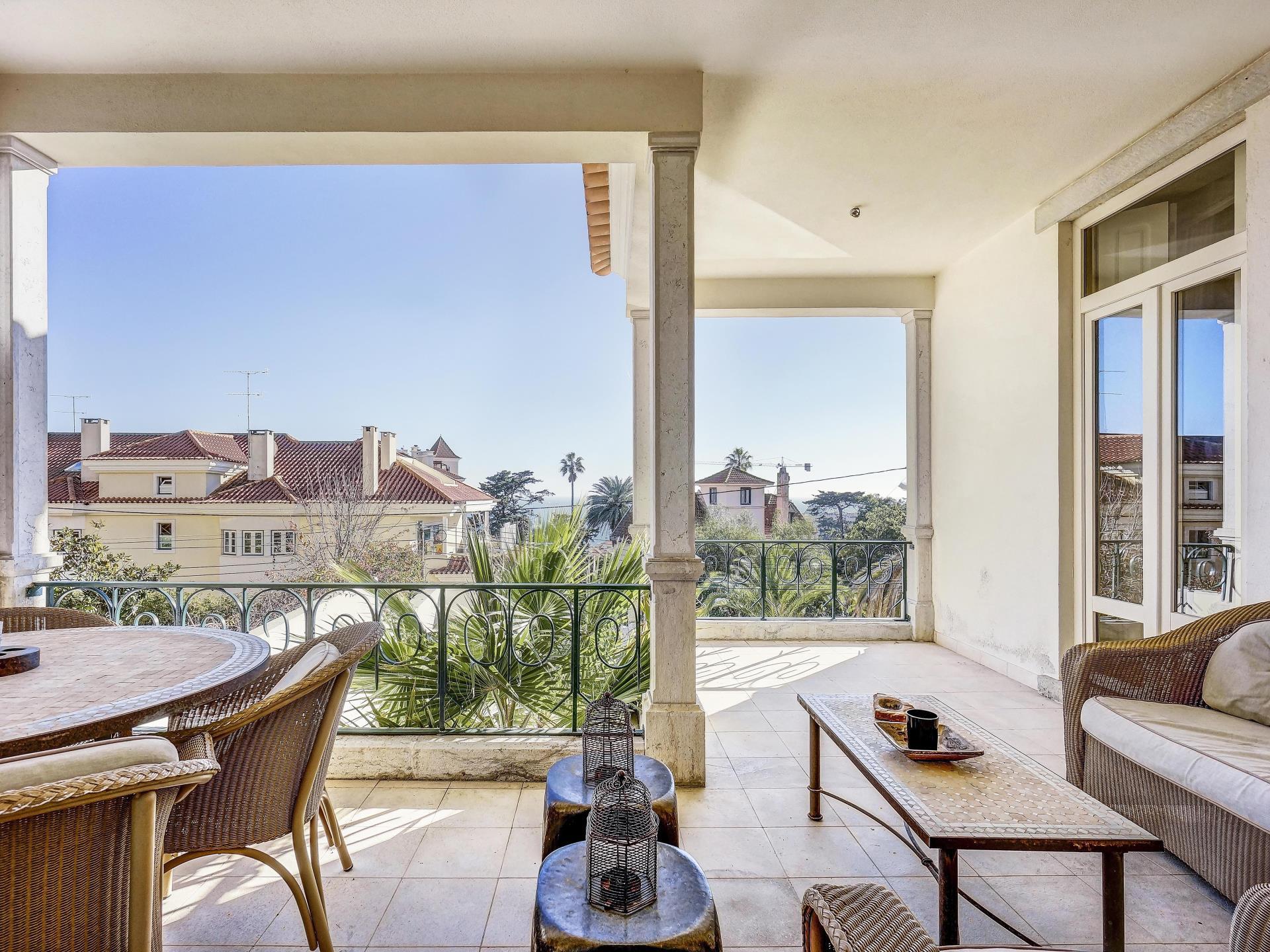 Vivienda unifamiliar por un Venta en Detached house, 5 bedrooms, for Sale Monte Estoril, Cascais, Lisboa Portugal