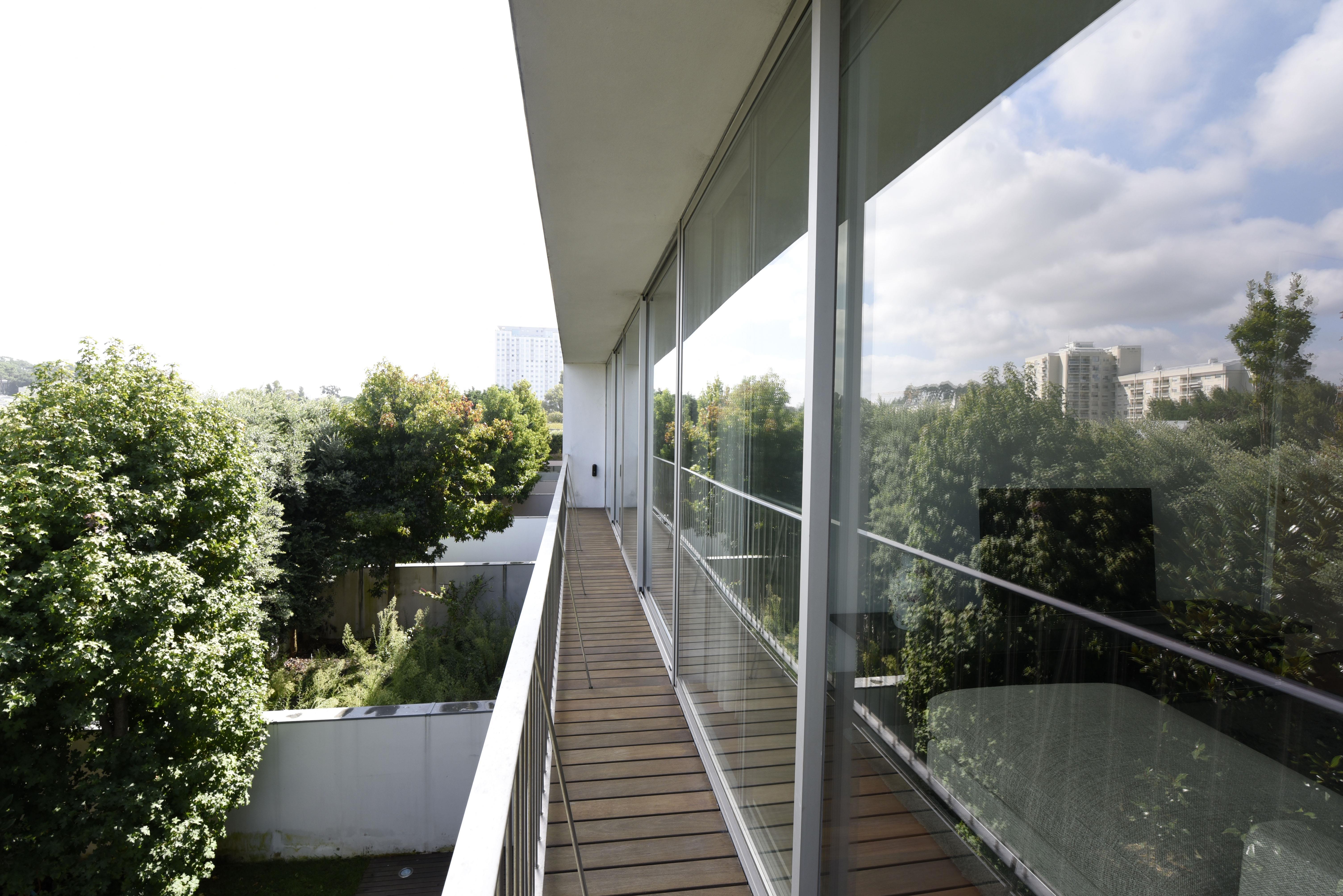 Casa para uma família para Venda às House, 5 bedrooms, for Sale Porto, Porto 4150-088 Portugal