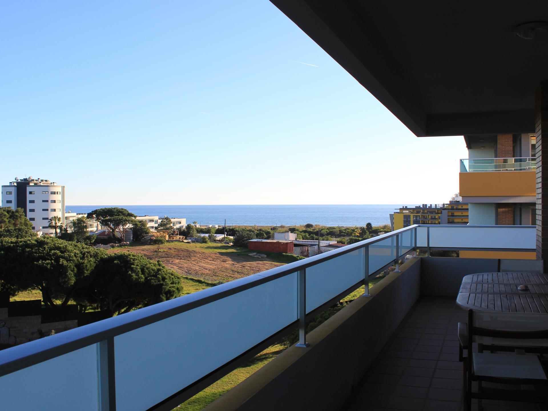 Apartamento por un Venta en Flat, 3 bedrooms, for Sale Loule, Algarve Portugal