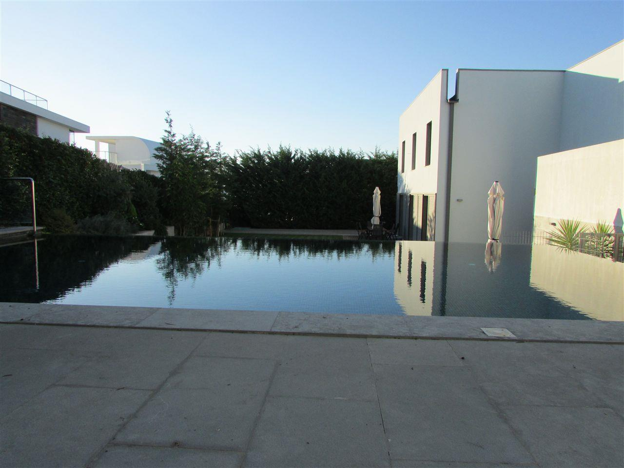 Vivienda unifamiliar por un Venta en Detached house, 4 bedrooms, for Sale Murtal, Cascais, Lisboa Portugal