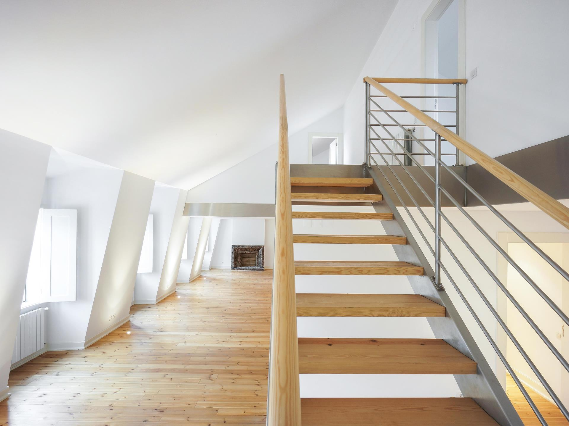 Duplex para Venda às Duplex, 5 bedrooms, for Sale Lisboa, Lisboa Portugal