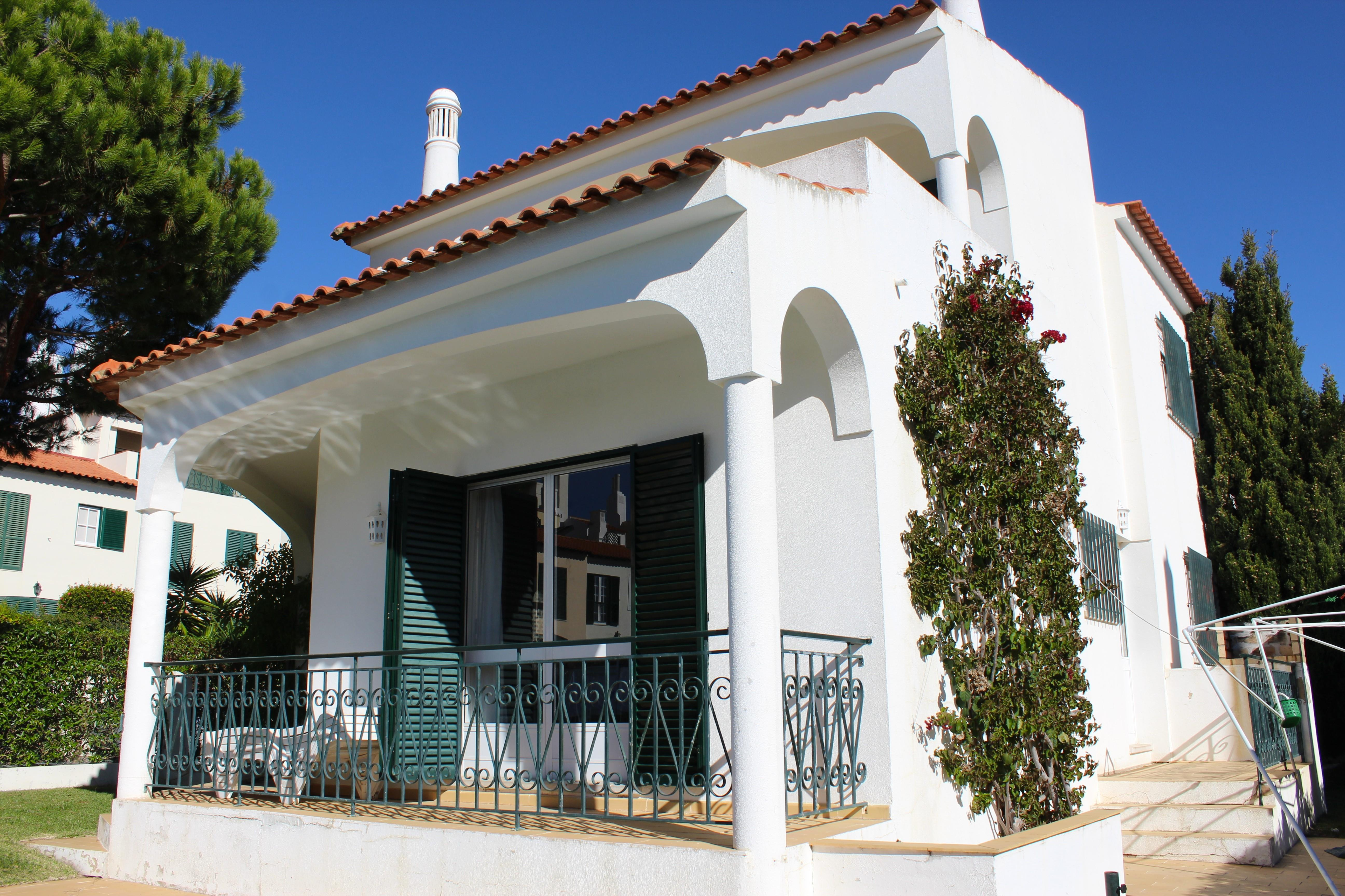 Single Family Home for Sale at Detached house, 4 bedrooms, for Sale Loule, Algarve, 8125-001 Portugal